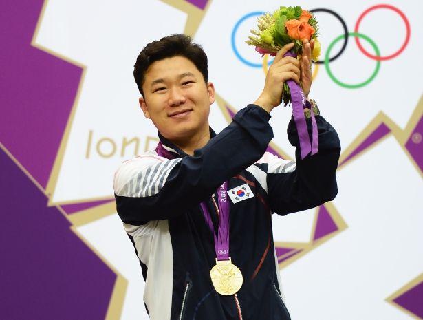 Jin Jongoh zdobył drugi złoty medal na igrzyskach w Londynie(fot. Getty Images)