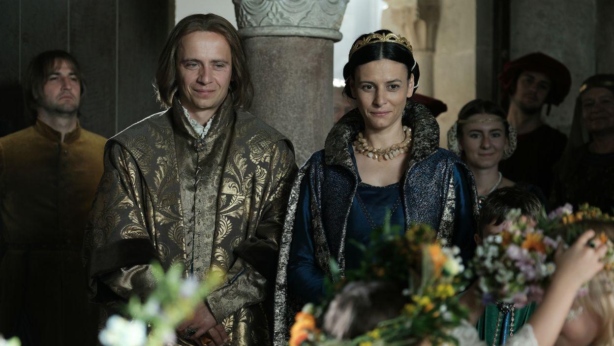 Habsburgom, którzy w ówczesnym czasie nie byli jeszcze liczącym się rodem w Europie, małżeństwo z córką króla dawało wiele korzyści (fot. TVP)