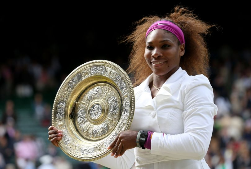 Williams z pamiątkowym trofeum (fot. Getty Images)