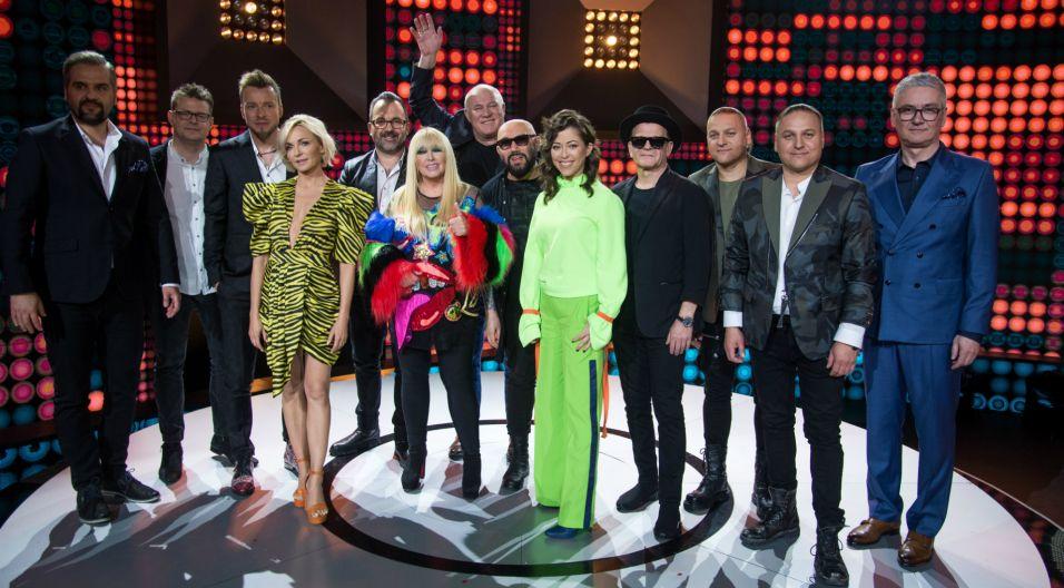 Po przesłuchaniu wszystkich wokalistów artyści mieli szansę ocenić występy. Jurorzy stawiali na wygraną bliźniaczek Julii i Wiktorii Szlachty (fot. J. Bogacz/TVP)