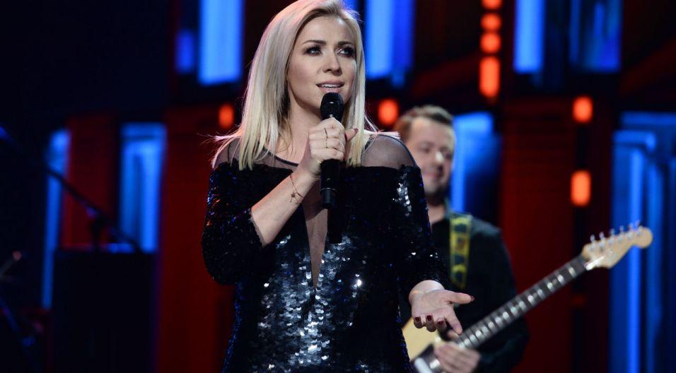 """Kasia Cerekwicka uświetniła koncert """"Debiuty"""" swoim występem (fot. TVP)"""