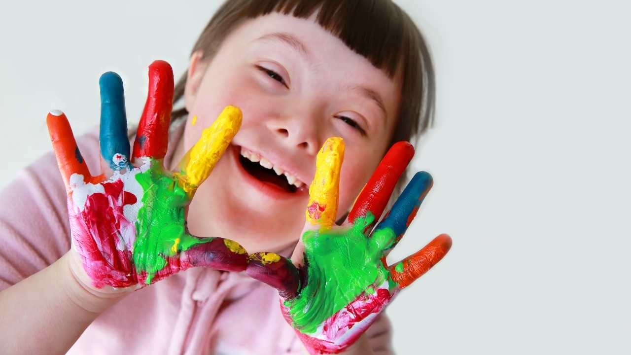 Konkurs ma pokazać  codzienne zmagania dzieci niepełnosprawnych  (fot. Shutterstock/Denis Kuvaev)