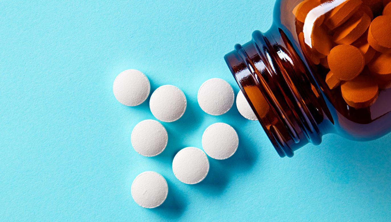 Suplementy diety wycofane ze sprzedaży (fot. Shutterstock/Cagkan Sayin)