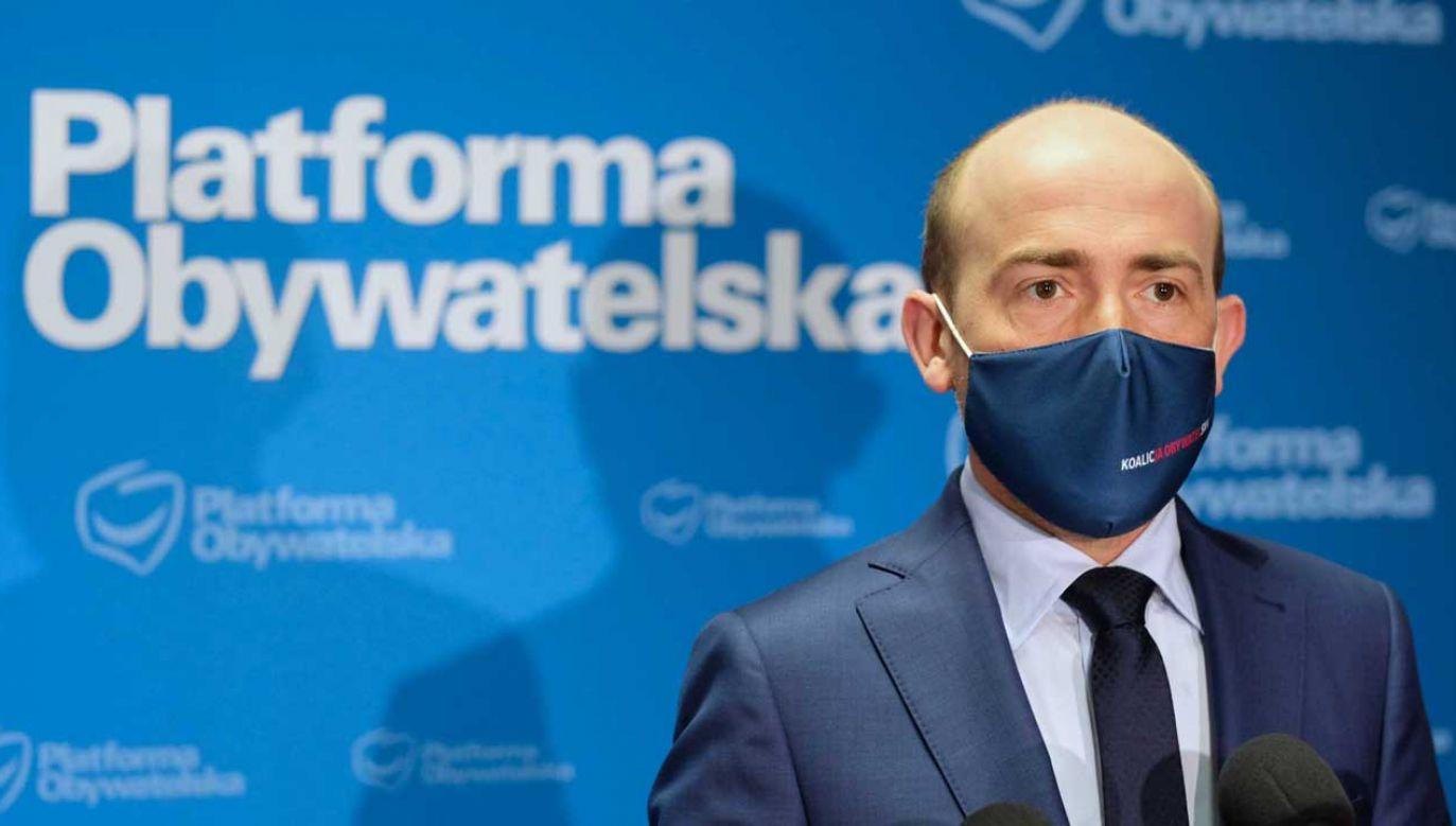 Borys Budka skomentował słaby wynik sondażowy Koalicji Obywatelskiej (fot. PAP/Andrzej Grygiel)