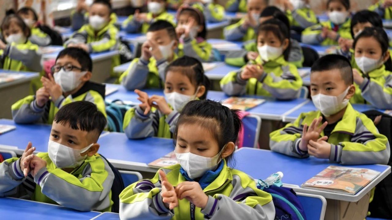 Komunistyczne władze ChRL wprowadziły w 1978 roku surową kontrolę urodzeń (fot. Liu Xin/China News Service via Getty Images)