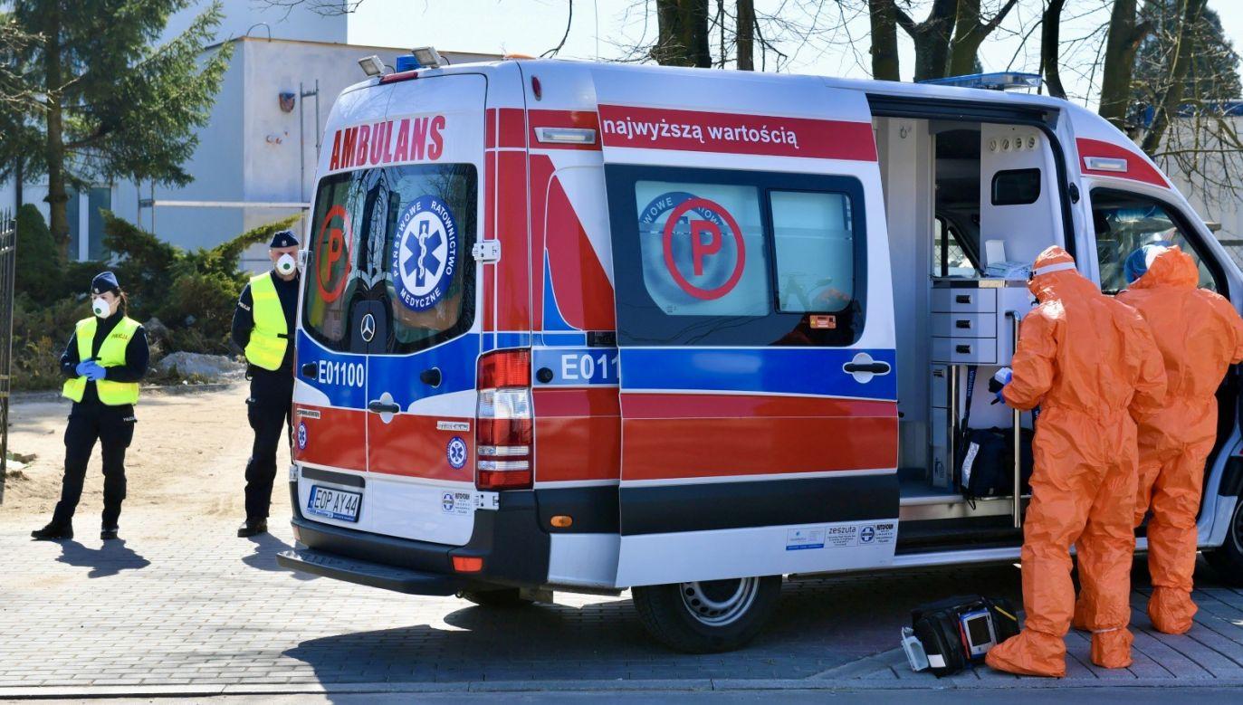 W całym kraju hospitalizowanych jest niespełna 2,5 tys. osób (fot. PAP/Grzegorz Michałowski)