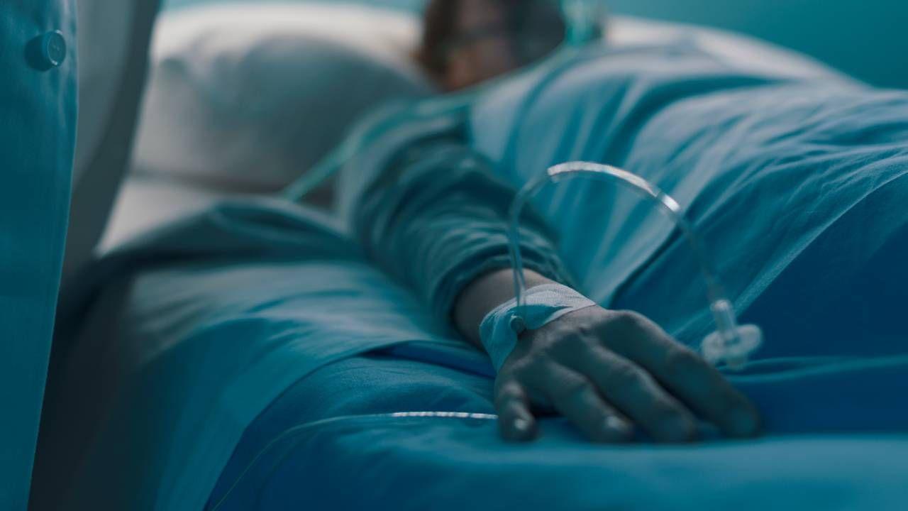 6 listopada zeszłego roku mężczyzna doznał zatrzymania pracy serca na przeszło 45 minut (fot.Shutterstock/Stokkete)