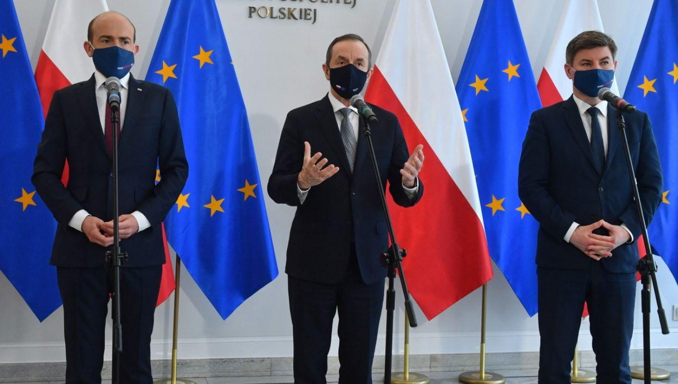 Tomasz Grodzki, Jan Grabiec i Borys Budka (fot. PAP/Radek Pietruszka)