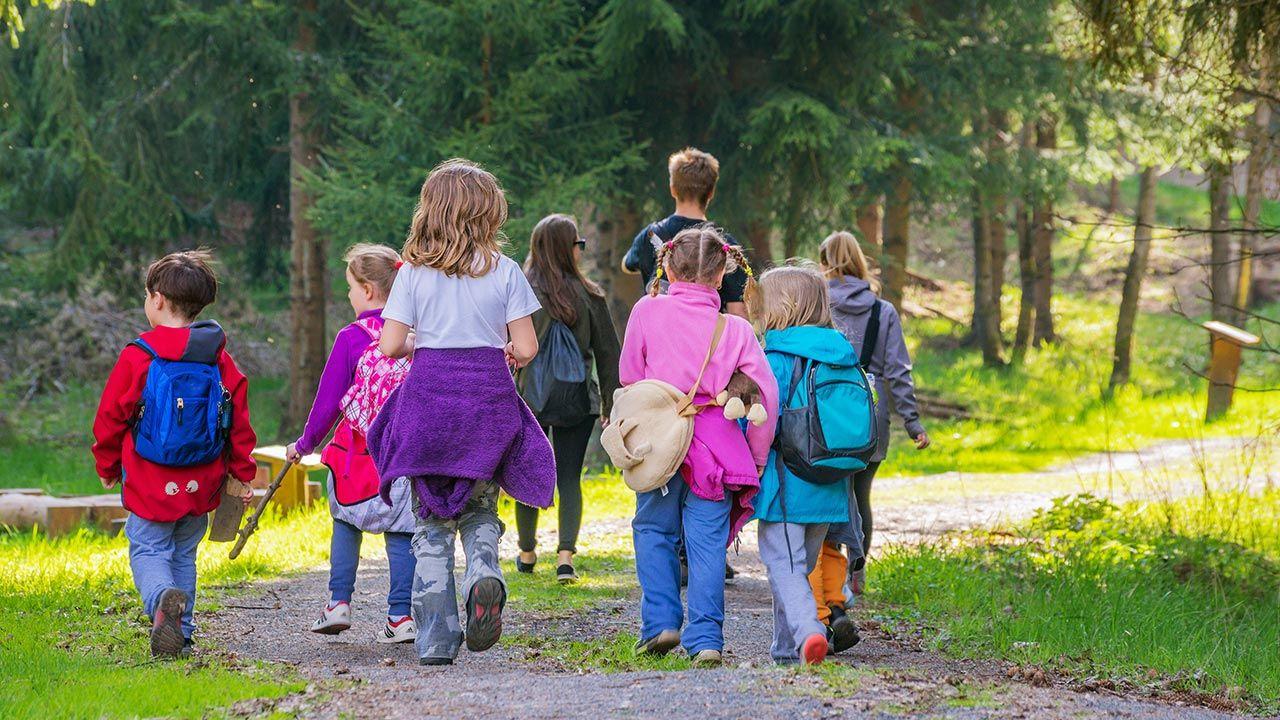 Wypoczynek letni dzieci i młodzieży w 2020 r. będzie mógł się odbyć, przy uwzględnieniu określonych ograniczeń sanitarnych (fot.  Shutterstock/pp1)