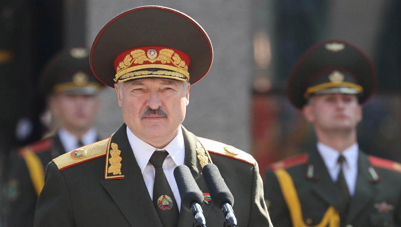 Białoruska państwowa agencja BiełTA podała, że Alaksandr Łukaszenka objął funkcję prezydenta Białorusi. Inauguracja odbyła się bez wcześniejszych zapowiedzi (fot. PAP/EPA/MAXIM GUCHEK / BELTA HANDOUT)