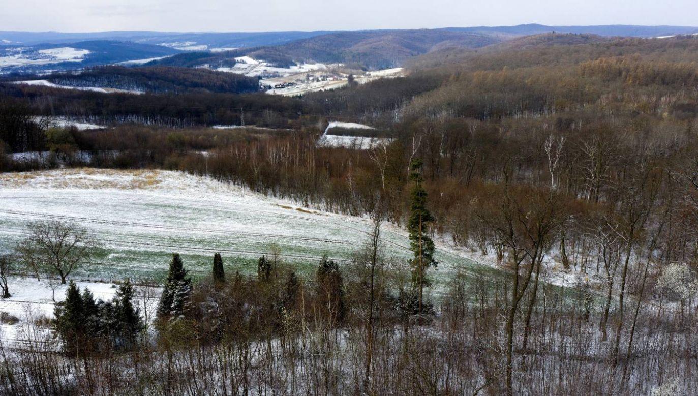 W górach można spodziewać się opadów śniegu (fot. PAP/Darek Delmanowicz)