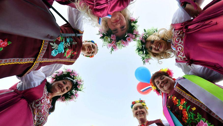 2119fbb7bc5376 Kobiety w tradycyjnych strojach podczas Festiwalu Kultur Narodowych w  Grodnie (fot. arch. Viktor Drachev)