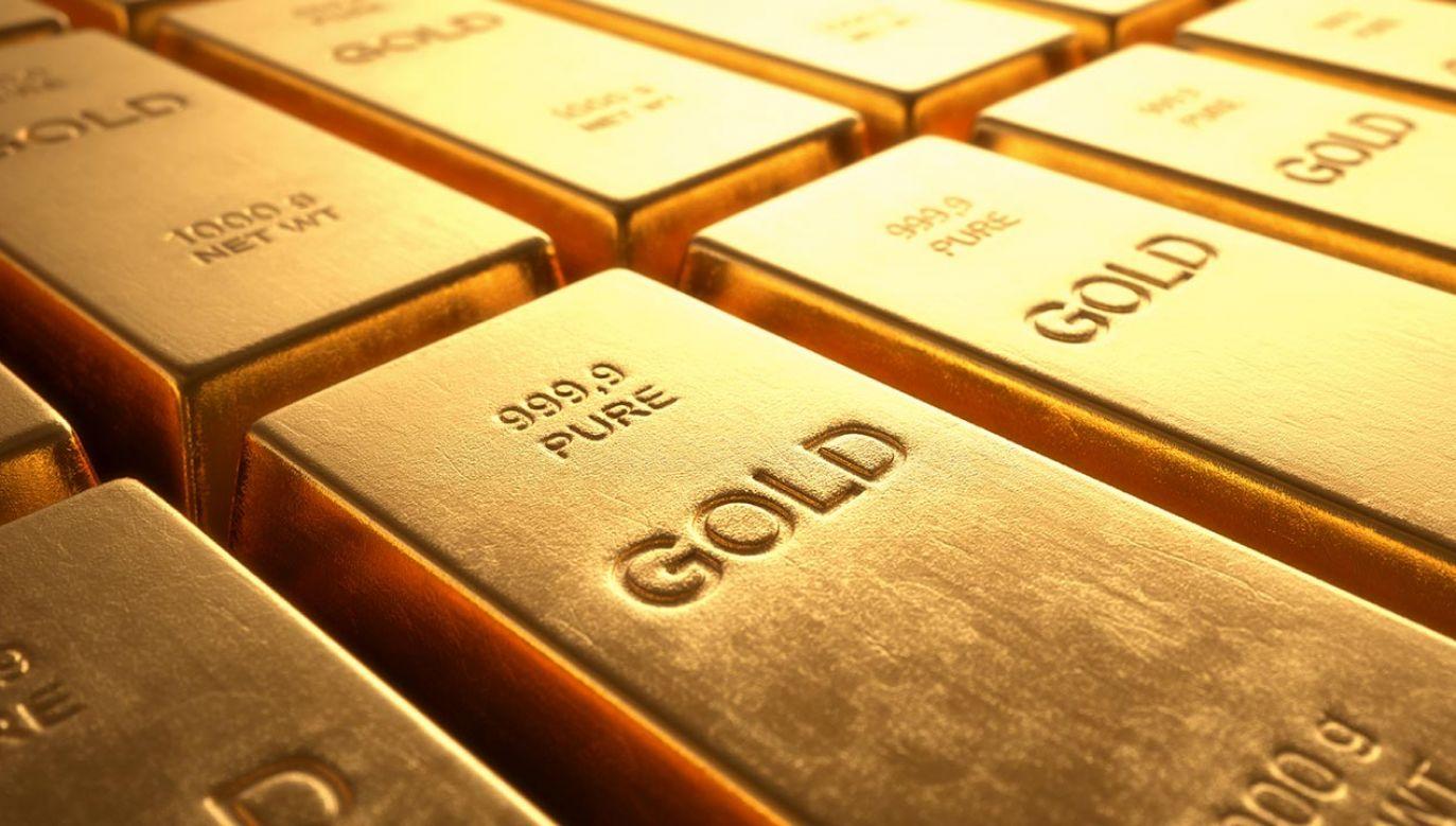 W polskiej walucie złoto historyczne rekordy bije już od końcówki ubiegłego roku (fot. Shutterstock/ktsdesign)
