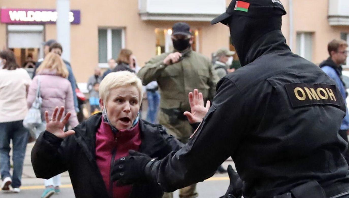 – On nie jest prezydentem białoruskiego narodu, tylko białoruskiego OMON-u – mówi Michał Jańczuk(fot. Natalia Fedosenko\TASS via Getty Images)
