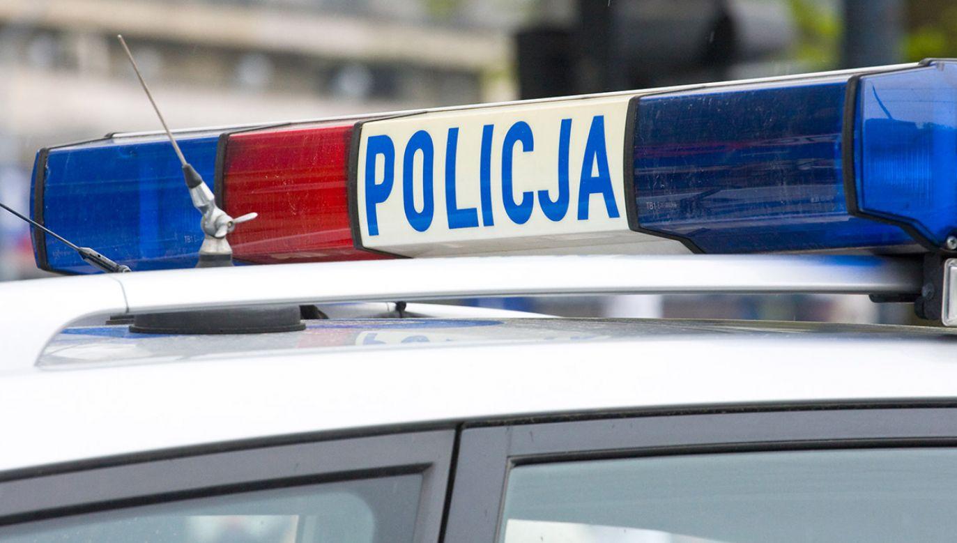 Policja na miejscu zdarzenia przeprowadziła oględziny i zabezpieczyła ślady (fot.shutterstock_Dziewul)