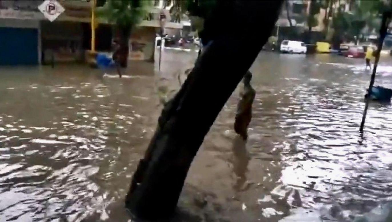 Silne deszcze spowodowały zakłócenia w ruchu drogowym (fot. EBU/Prasanna Venkatesh)