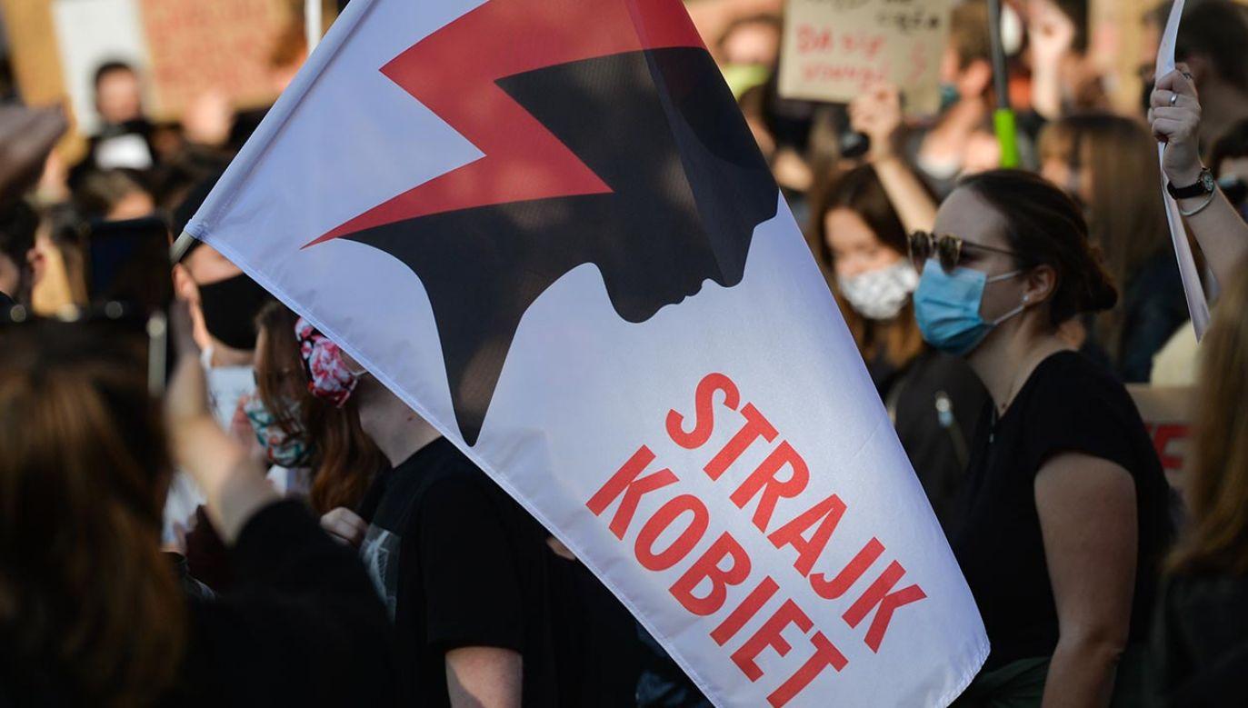 Prokuratura nie podjęła jeszcze decyzji, czy wszczynać śledztwo po protestach w Świebodzinie (fot. Artur Widak/NurPhoto via Getty Images)