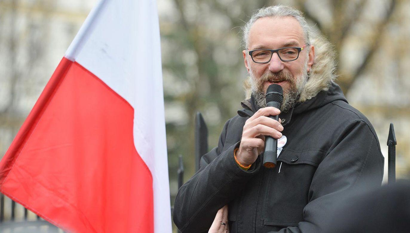 Kijowski ostatnio zniknął z mediów, zajął się fryzjerstwem (fot. Forum/Aleksiej Witwicki)