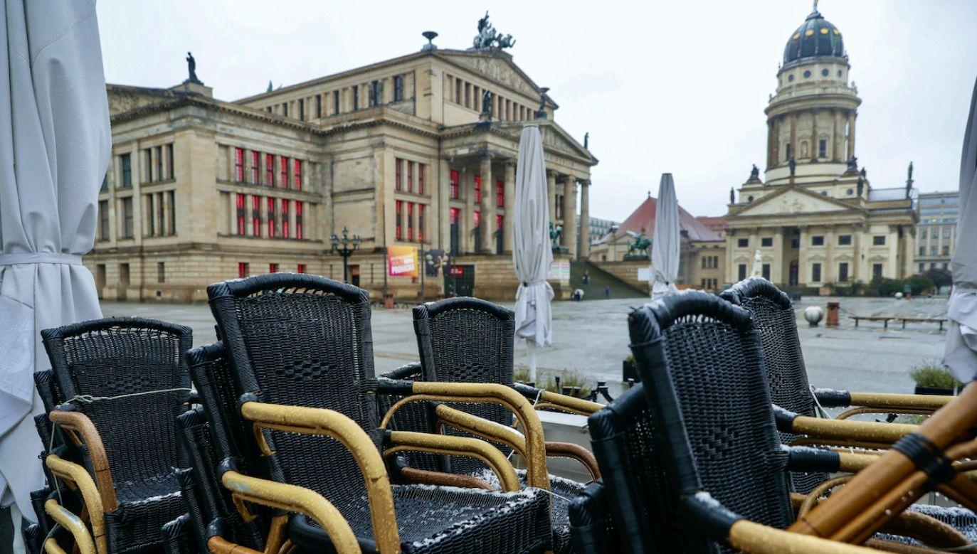 Niemiecki rząd podjął decyzję ws. lockdownu (fot. PAP/EPA/H.JEON)