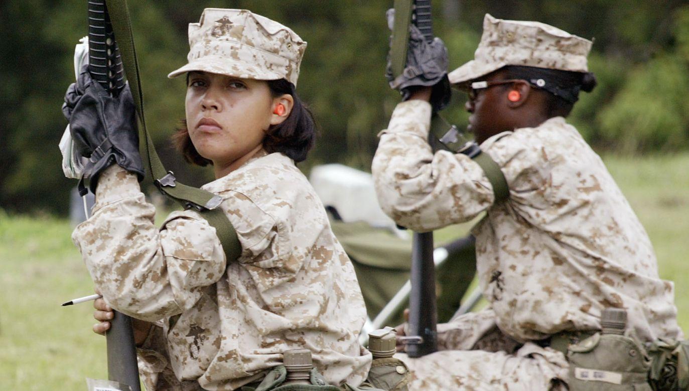 Oszustwo na amerykańskiego żołnierza/żołnierkę, wciaż zbiera żniwo (fot. Getty Images, zdjęcie ilustracyjne)
