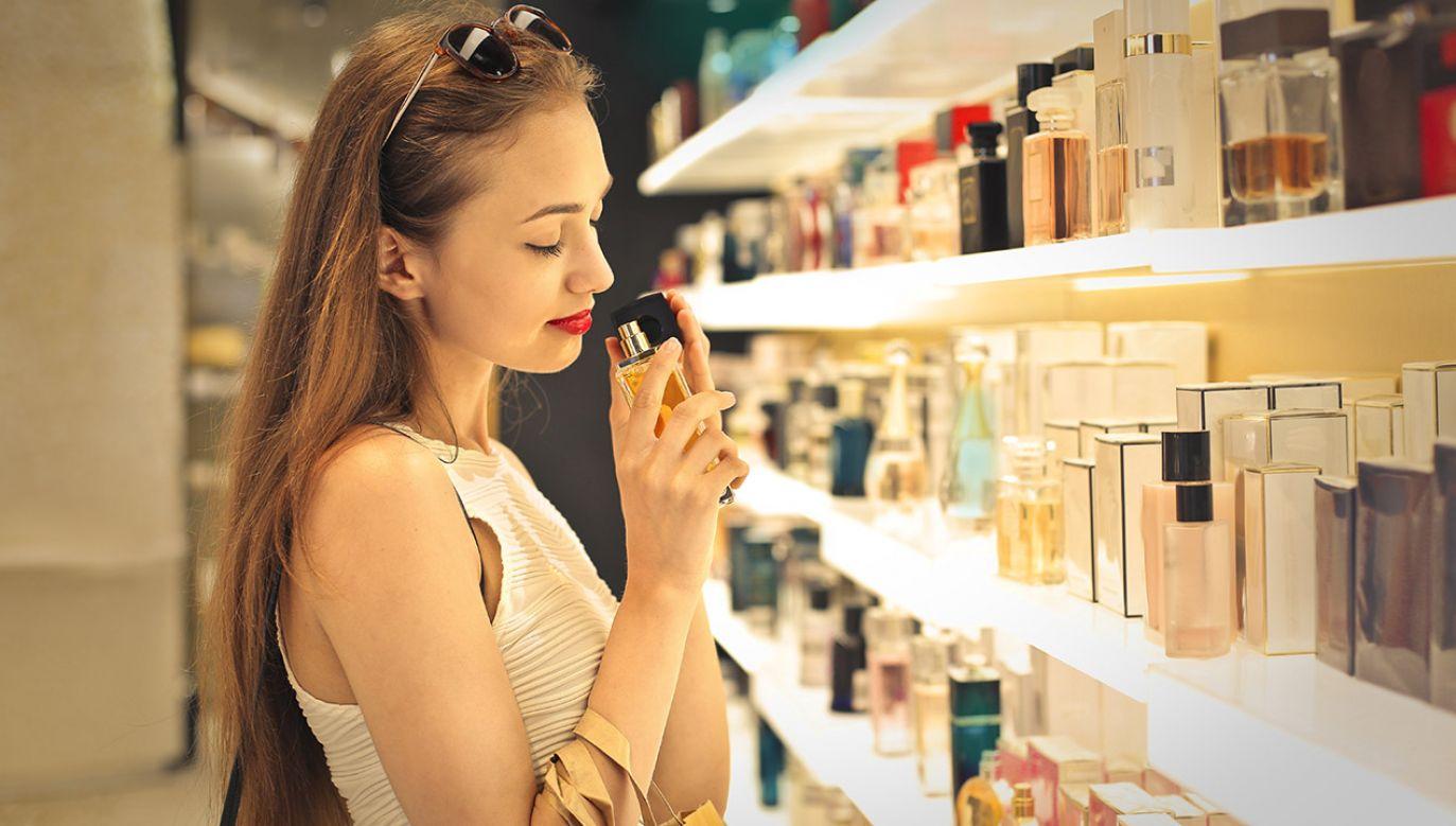 Są używane m.in. do lakierów i kosmetyków (fot. Shutterstock/Ollyy)