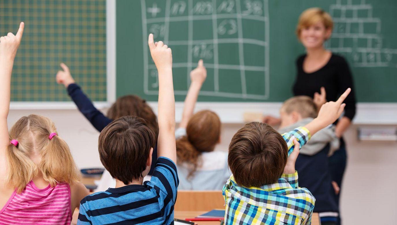 18 maja ma rozpocząć się dyskusja na temat uatrakcyjnienia zawodu nauczyciela (fot. Shutterstock/ESB Professional)