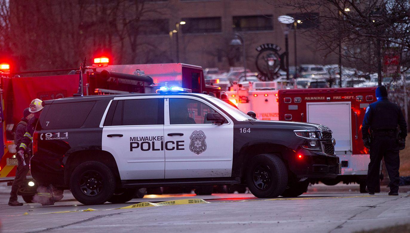 Browar otoczyły silnie uzbrojone oddziały specjalnych jednostek policji (fot. Nuccio DiNuzzo/Getty Images)