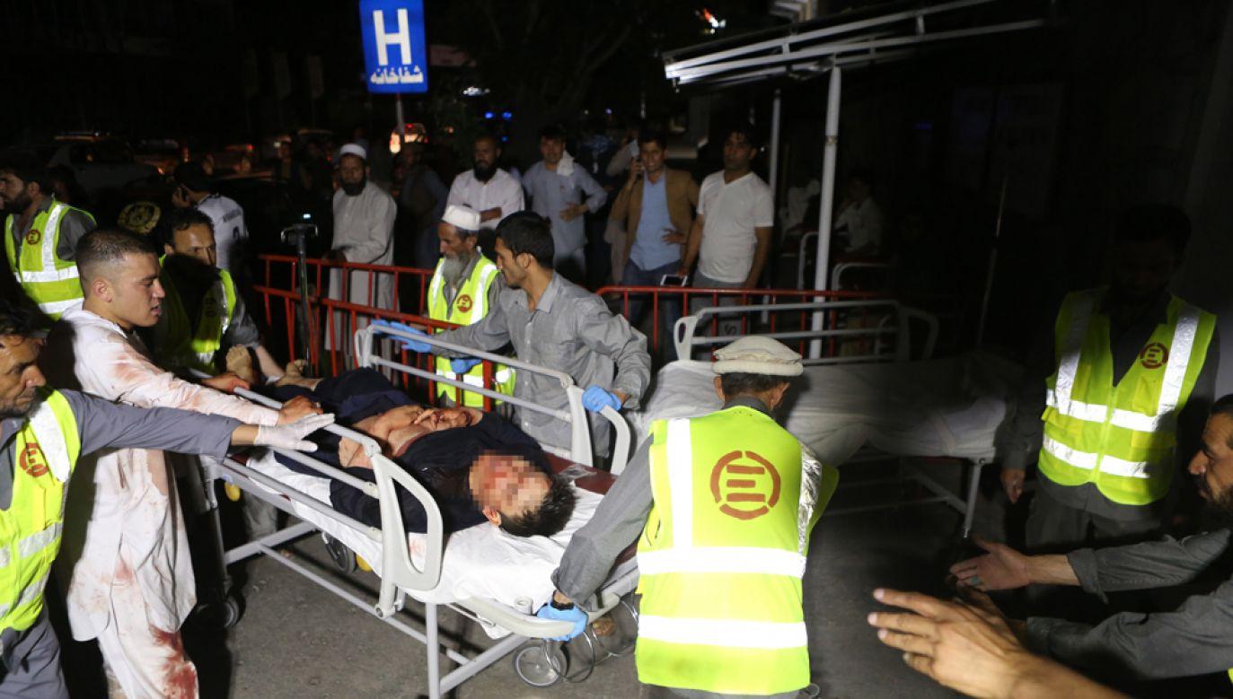 W zamachu zginęły około 63 osoby, jest też wielu rannych (fot. PAP/EPA/JAWAD JALALI)