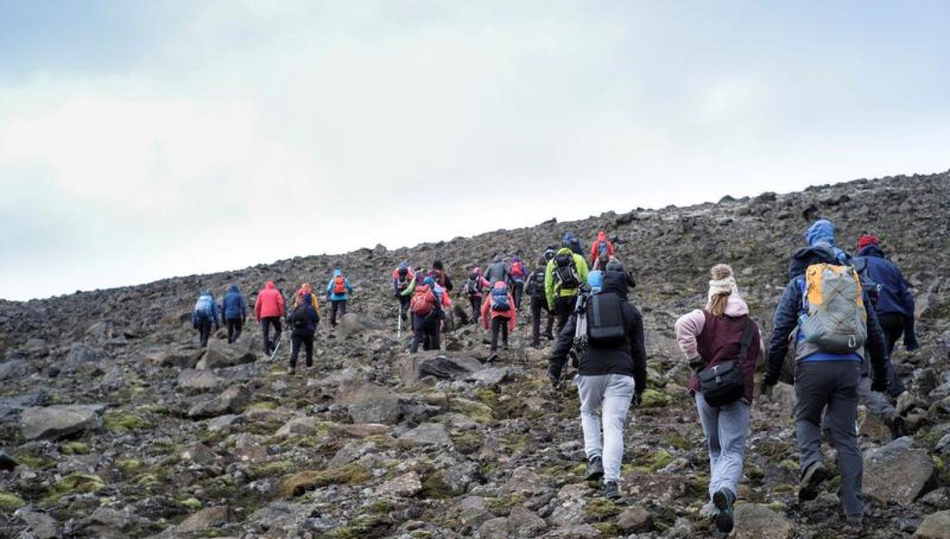 Według badań naukowych lodowiec Okjokull istniał 700 lat (fot. REUTERS/Geirix)
