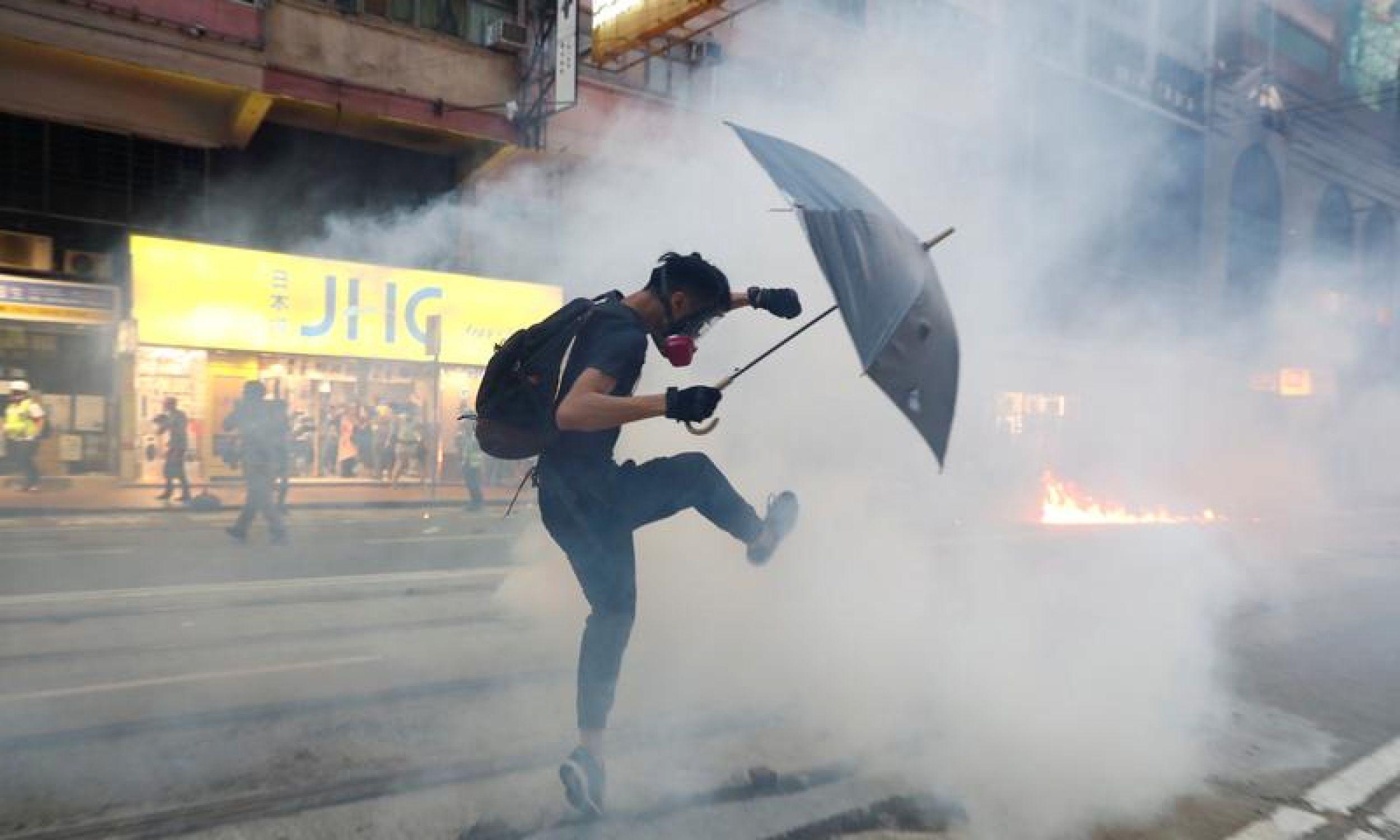 Protesty, choć trwają od kilku miesięcy, wcale nie słabną. Sobota, 2 listopada. Fot. REUTERS/Thomas Peter