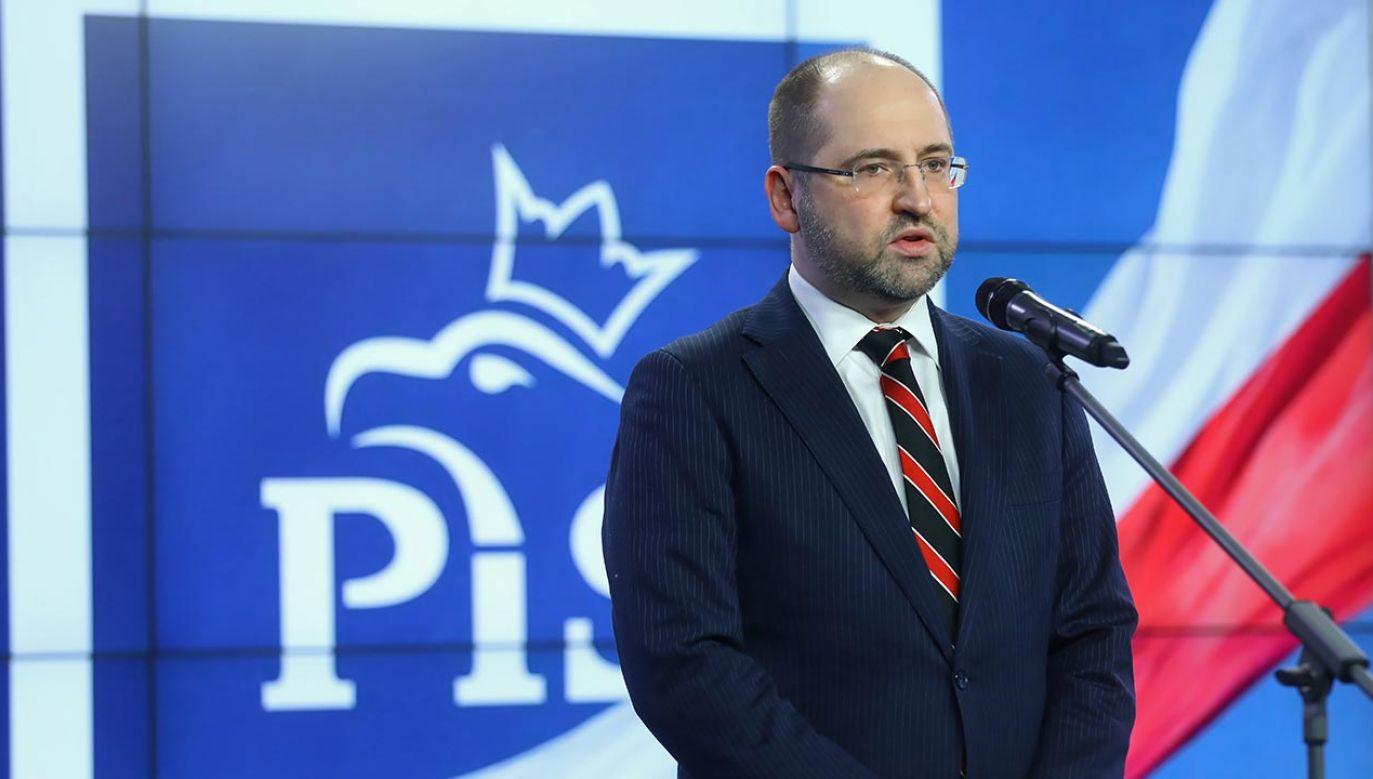 Pełnomocnik sztabu Andrzeja Dudy odniósł się również do sondaży, w których zyskuje Rafał Trzaskowski (fot. PAP/Rafał Guz)