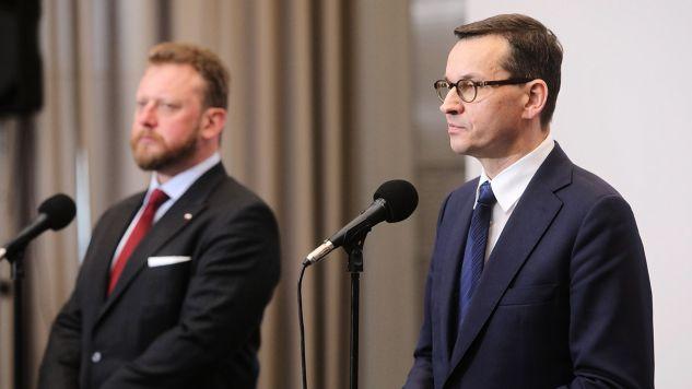 Za inicjatywę zorganizowania spotkania unijnych ministrów zdrowia premier Mateusz Morawiecki podziękował szefowi resortu Łukaszowi Szumowskiemu (fot. PAP/Wojciech Olkuśnik)