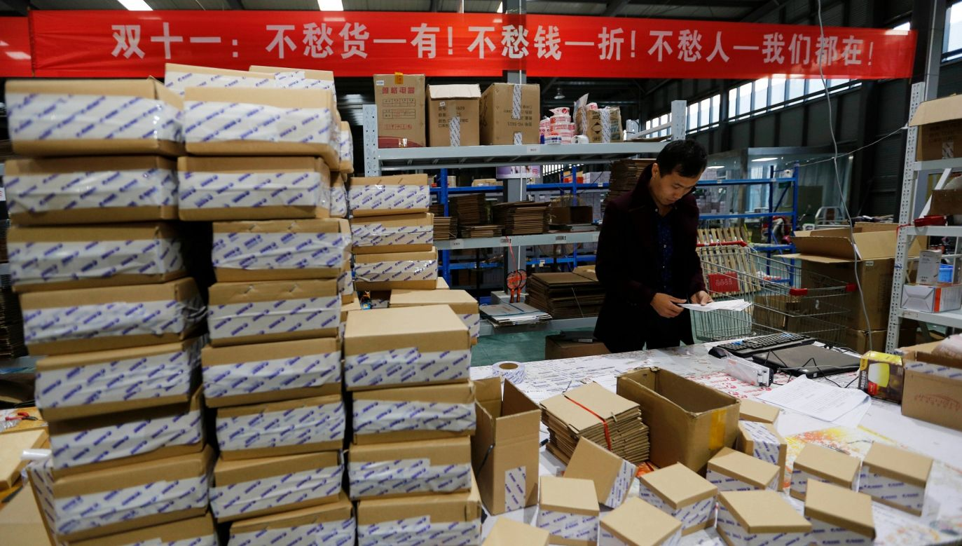 W rezultacie poprzednich epidemii w Azji powstały firmy-giganty e-handlu. Na zdjęciu: Chińska firma działająca w sektorze e-handel. Fot. Visual China Group via Getty Images