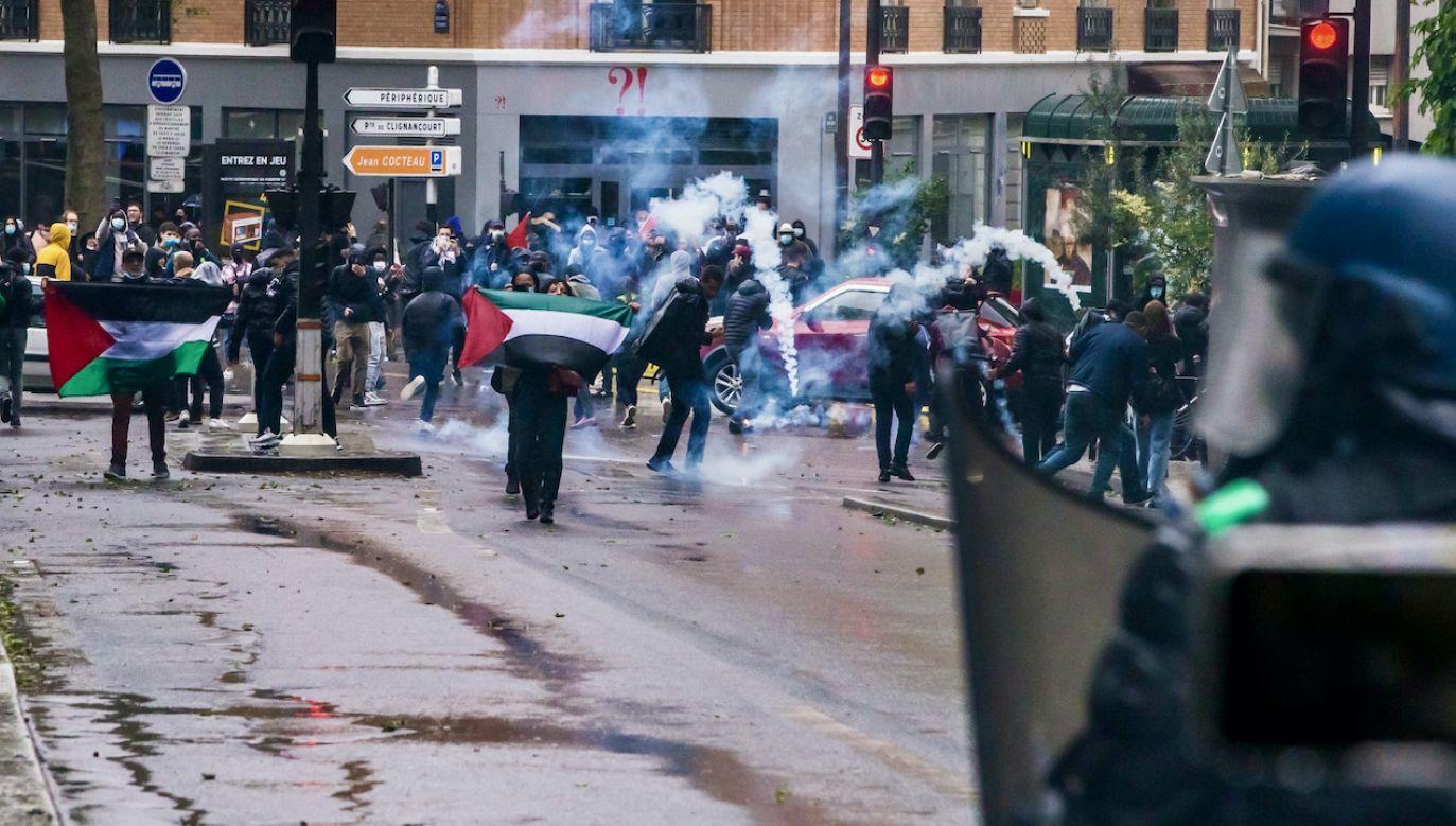 Protesty propalestyńskie w Europie (fot. PAP/EPA/CHRISTOPHE PETIT TESSON)