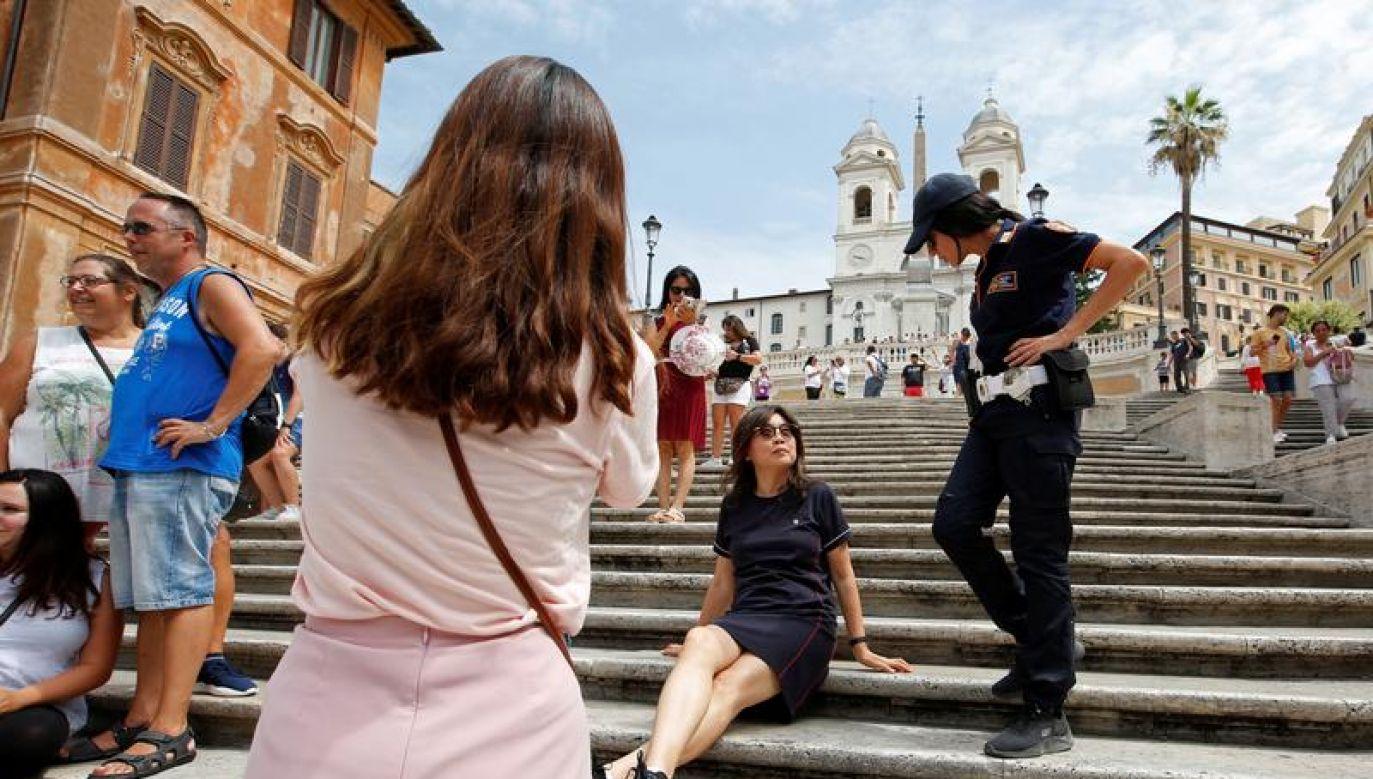 Od początku roku ukarano prawie 200 tysięcy obcokrajowców (fot. REUTERS/Remo Casilli)