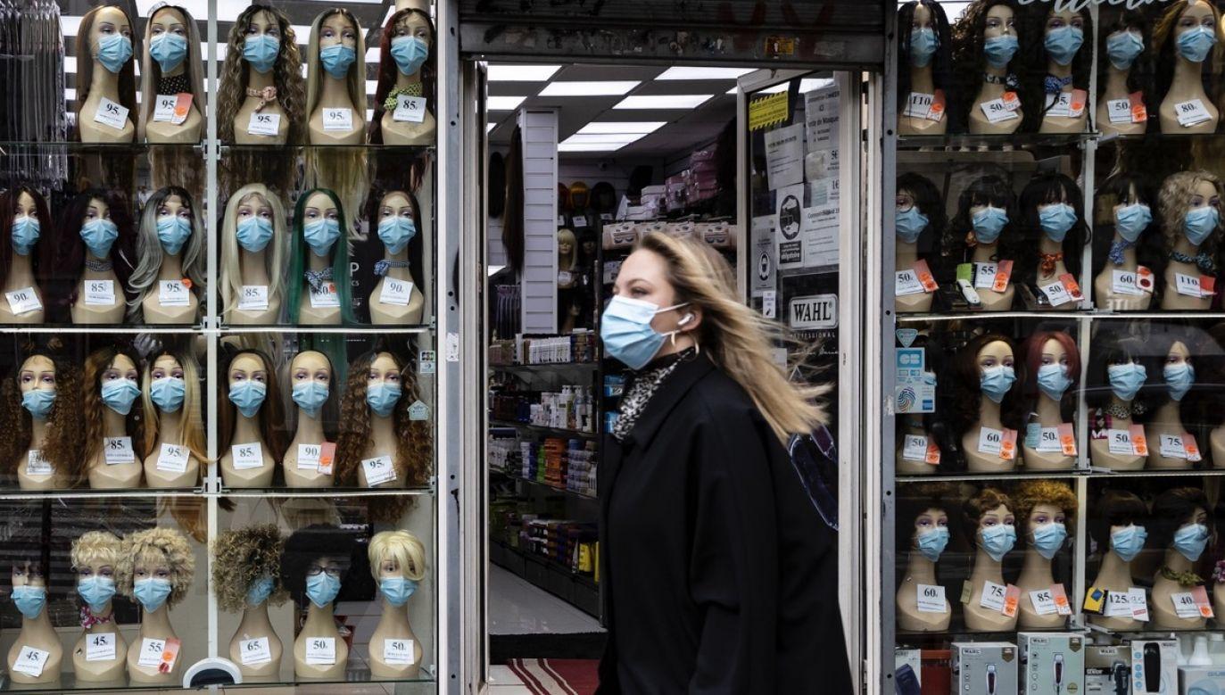 W ciągu ostatniej doby stwierdzono we Francji ponad 36 tys. nowych przypadków zakażenia (fot. PAP/EPA/IAN LANGSDON)