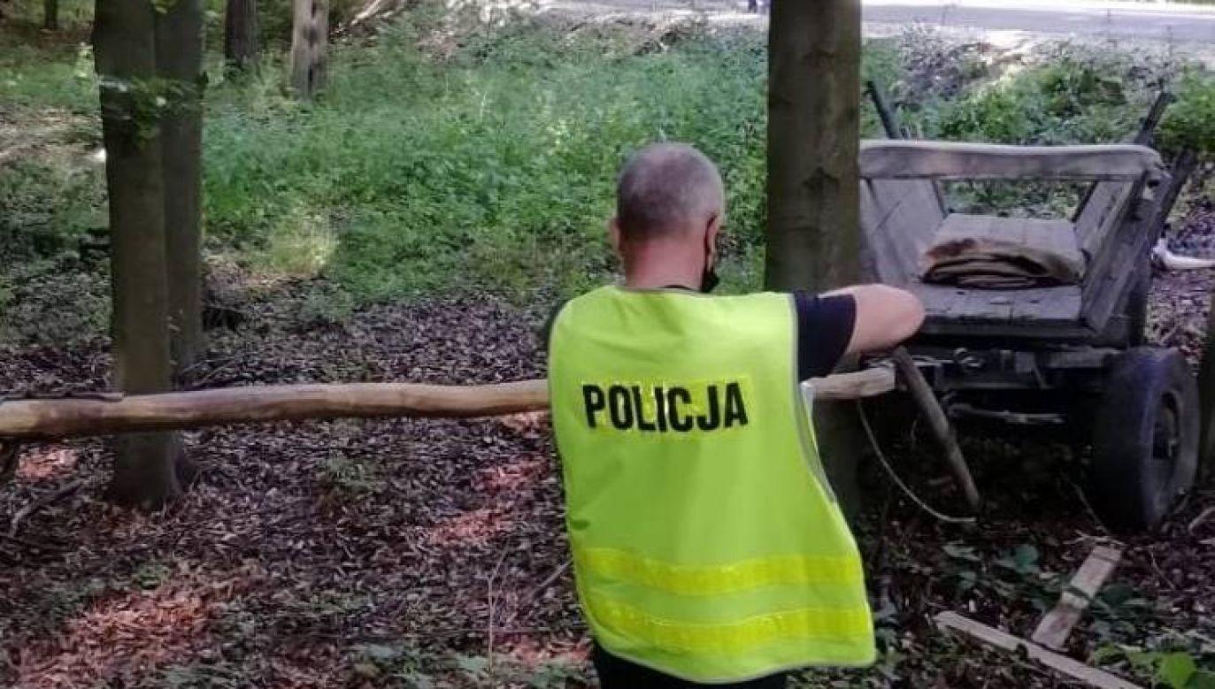 Pomimo udzielonej mężczyźnie pomocy medycznej zmarł na miejscu zdarzenia (fot. KPP Radomsko)