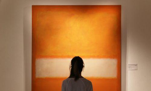 """""""No 11"""" Marka Rothko, wystawiany w Londynie, był wyceniany na 25-35 miliionów dolarów. Fot. Peter Macdiarmid/Getty Images"""