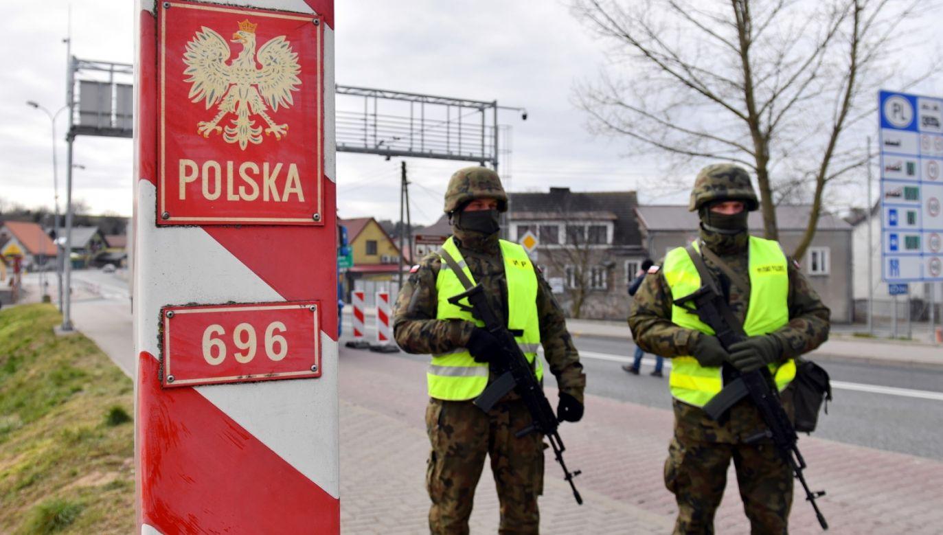 Warunkiem wprowadzenia stanu nadzwyczajnego jest wyczerpanie się środków przewidzianych w konstytucji (fot. PAP/Marcin Bielecki)