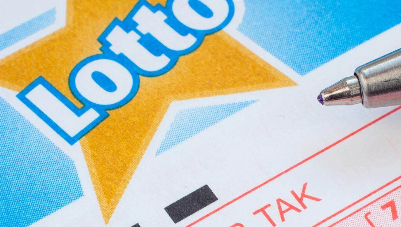 Wyniki losowania Lotto w poniedziałek 25 października (fot. Shutterstock)
