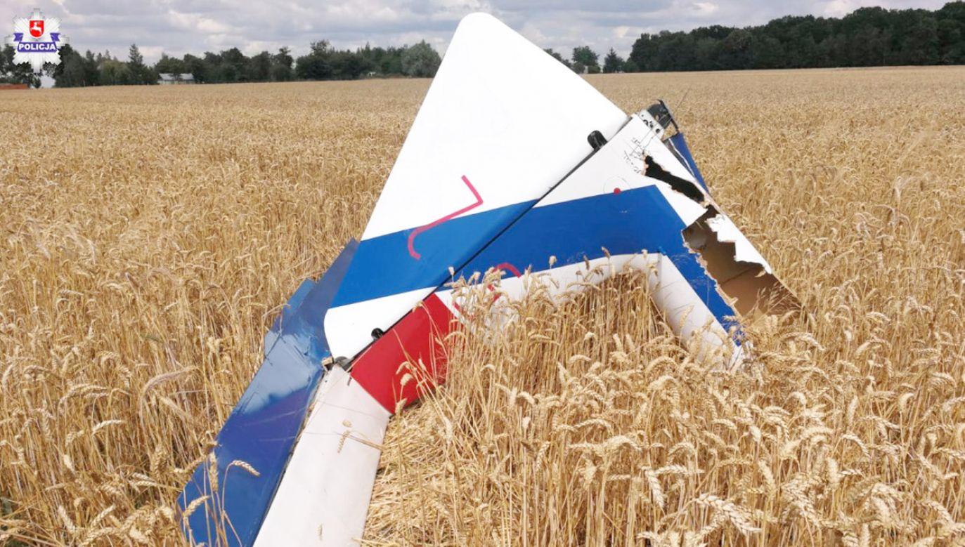 Maszyna pilotowana przez 18-latkę rozbiła się na polach na pograniczu gmin Wojciechów i Bełżyce (fot. Policja Lubelska)