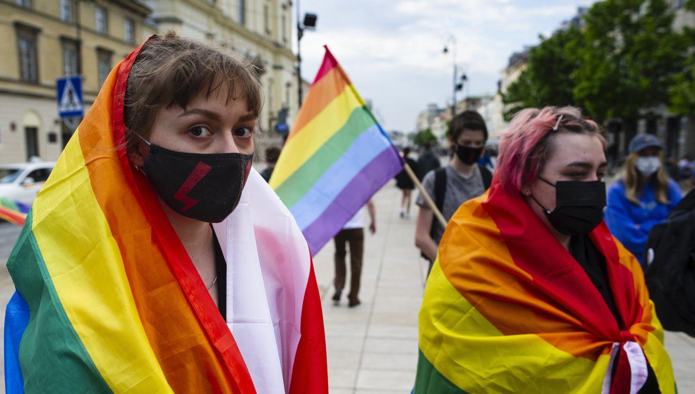 Coraz więcej marek wspiera mniejszości seksualne (fot. Piotr Lapinski/NurPhoto via Getty Images)