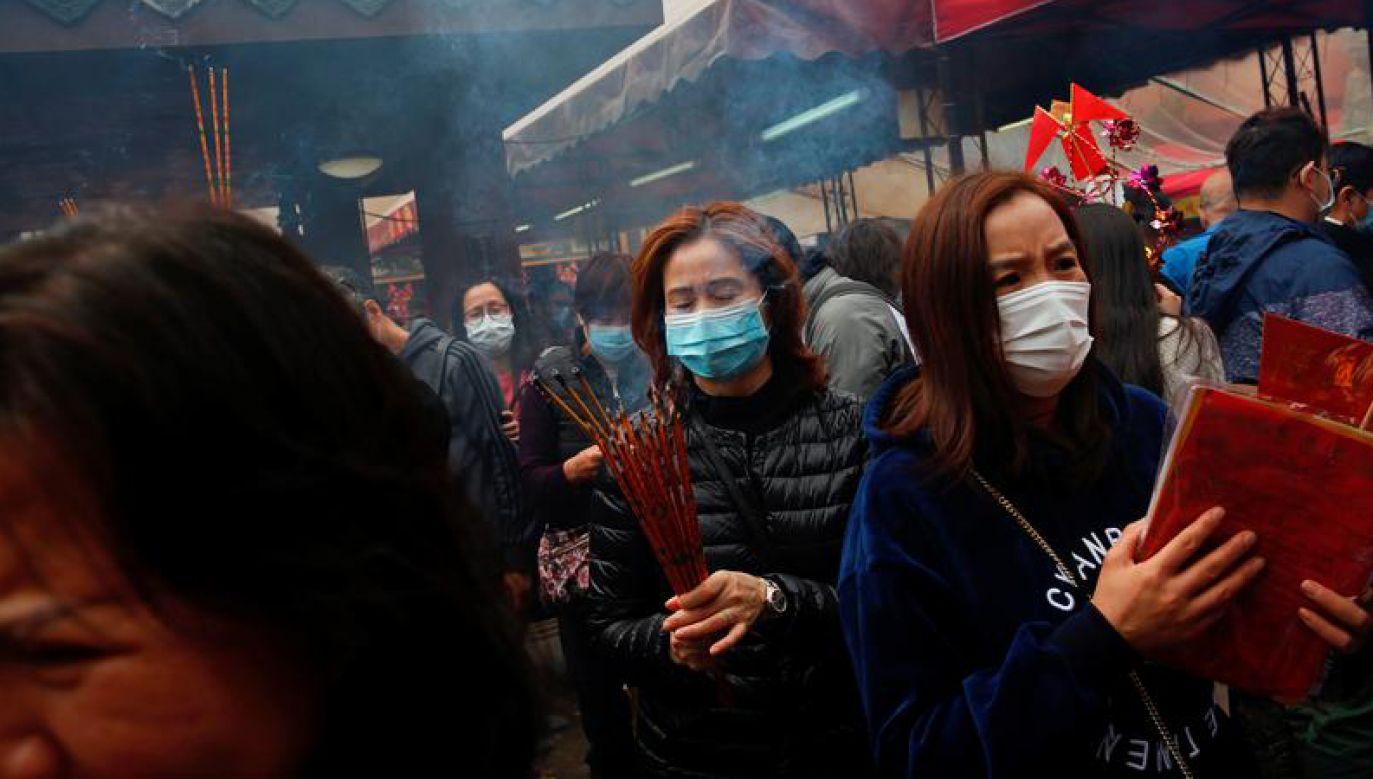 Okres wzmożonych podróży Chińczyków zwiększa ryzyko rozprzestrzeniania się wirusa (fot. REUTERS/Tyrone Siu)