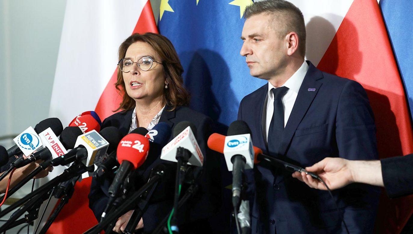 Zdaniem europosła PiS Ryszarda Czarneckiego kandydatka PO na prezydenta Małgorzata Kidawa-Błońska powinna wziąć korepetycje z polityki zagranicznej (fot. PAP/Rafał Guz)
