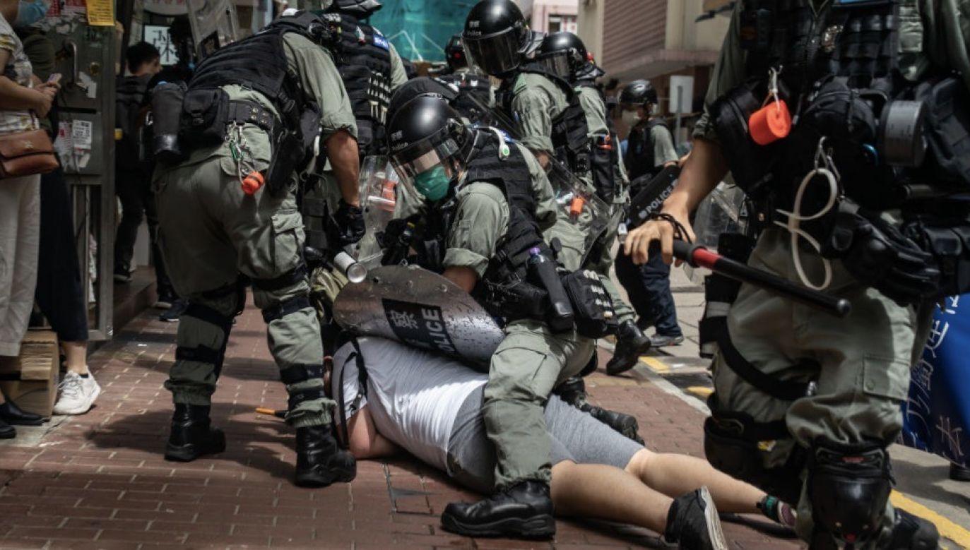Demonstranci sprzeciwiają się nowej ustawie o bezpieczeństwie państwowym (fot. Anthony Kwan/Getty Images)