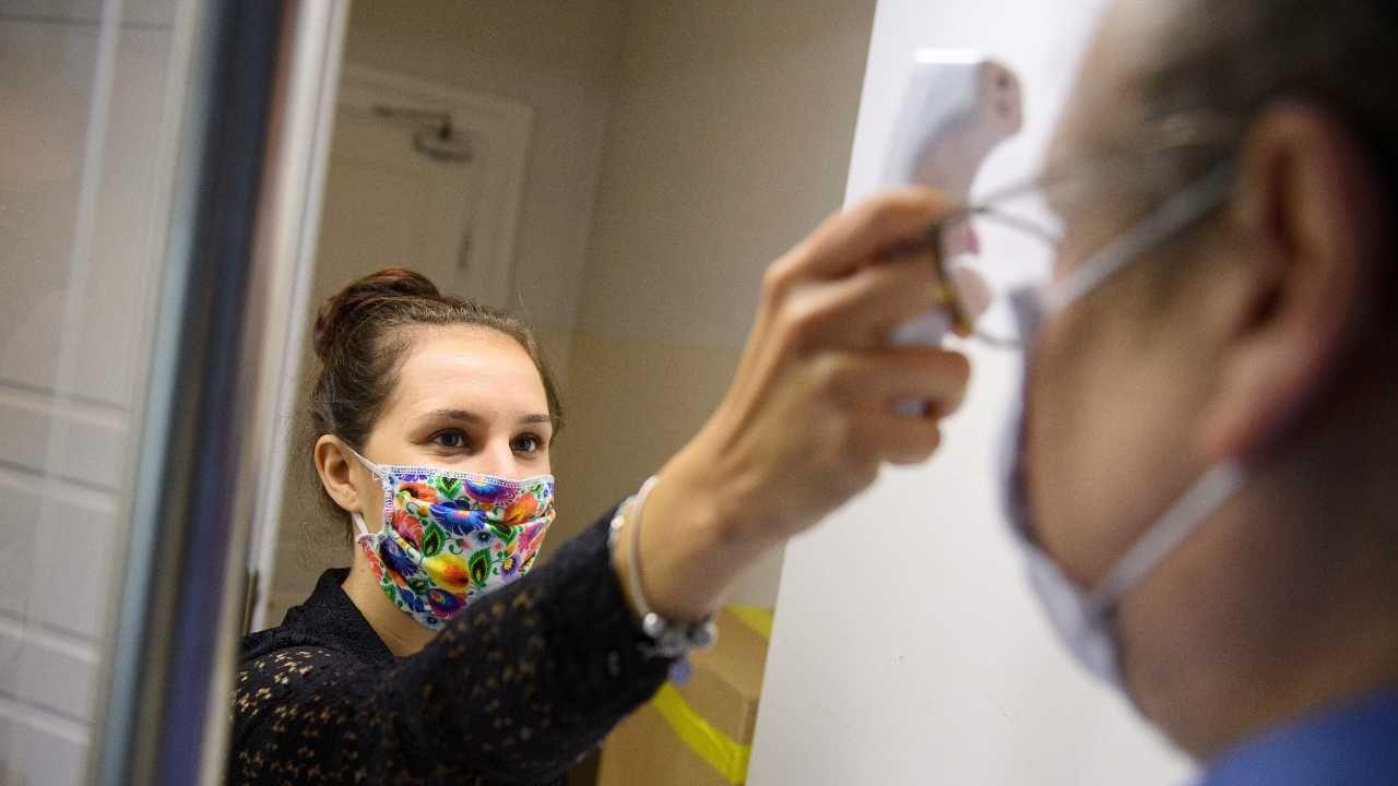 W pierwszym półroczu Polacy wydali na ubezpieczenia zdrowotne pół miliarda zł (fot. PAP/Grzegorz Michałowski)
