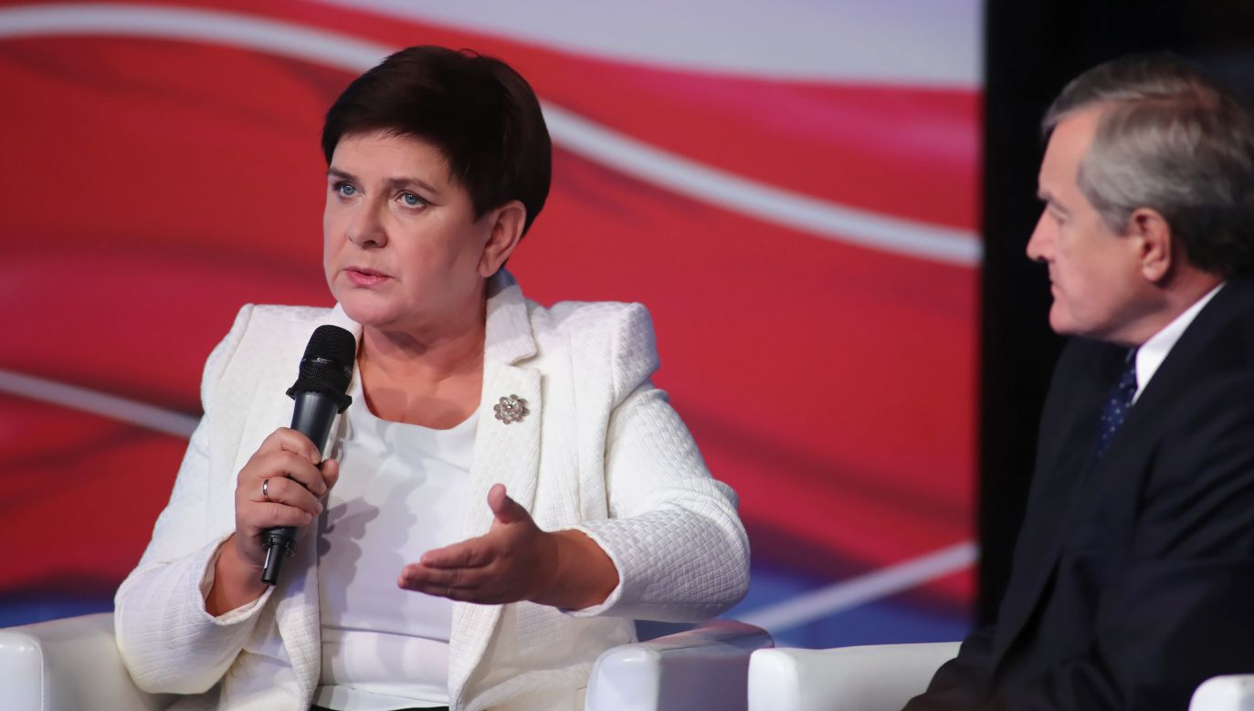 Do tej pory wydaliśmy na program 500 plus już około 80 mld zł – podkreśliła premier Beata Szydło w czasie debaty prowadzonej przez ministra Piotra Glińskiego w Łodzi (fot. PAP/Roman Zawistowski)