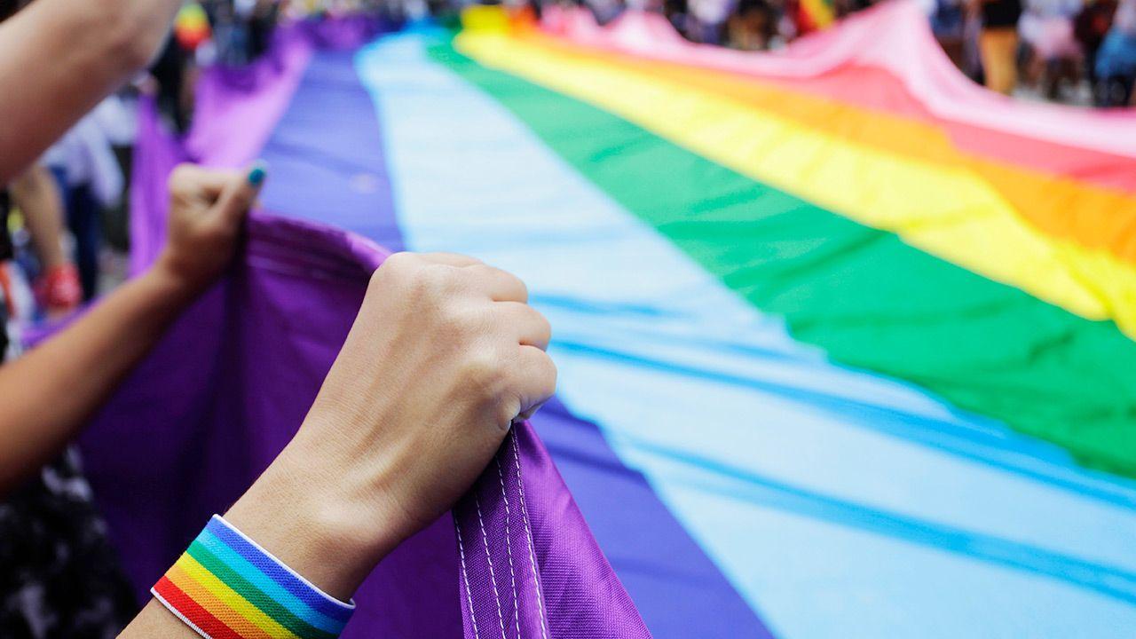 Ojciec żądał prawa decydowania o podawaniu jego dziecku specyfików wspomagających zmianę płci  (fot. Shutterstock)