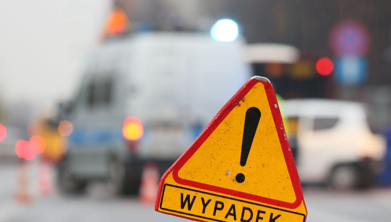 W miejscu zdarzenia wprowadzono ruch wahadłowy (fot.  arch. PAP/Leszek Szymański)