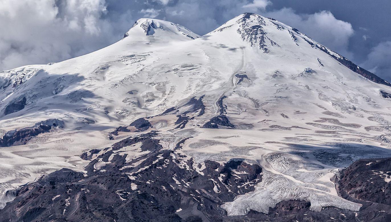 Ciało odnaleziono w rejonie grani Skały Pastuchowa w Elbrusie  (fot. Shutterstock/Suhanova Kseniya)